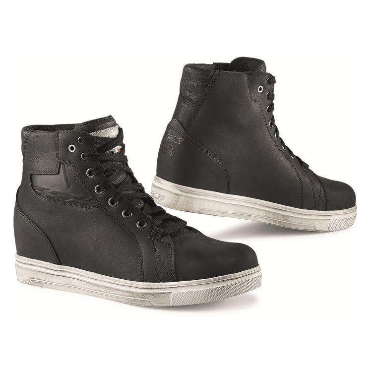 TCX Street Ace WP Shoes on white background